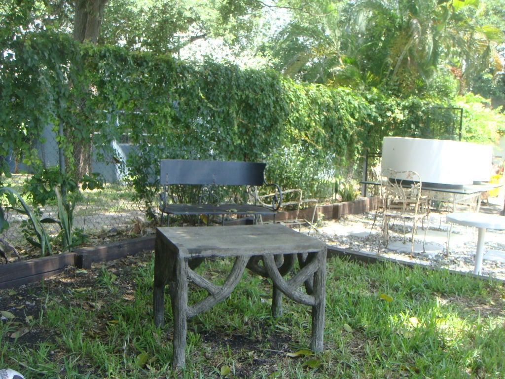 Faux bois garden table at 1stdibs Table jardin imitation bois
