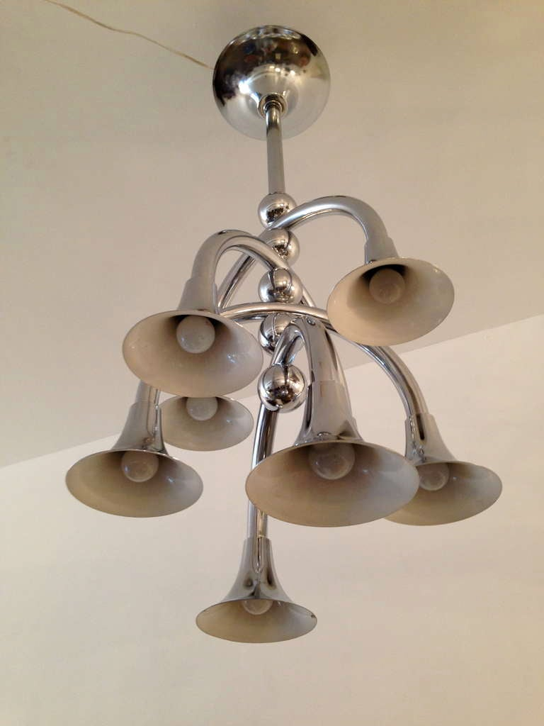 Large Reggiani 1960s Chandelier In Excellent Condition For Sale In New York, NY