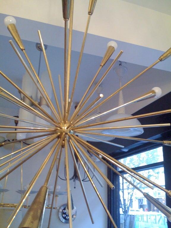 Pair of Large 1960s  Italian Mid Century Brass Starburst Sputnik Chandeliers 5