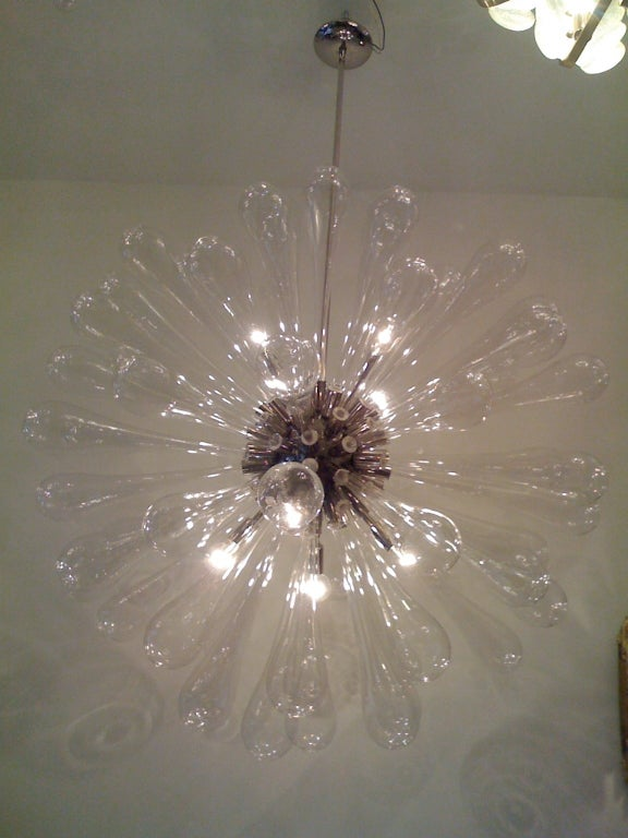 Large Murano Blown-Glass Chandelier In Excellent Condition For Sale In New York, NY
