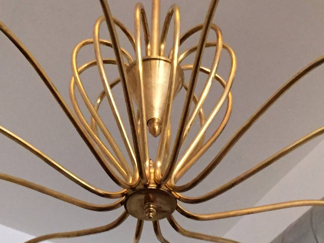 Italian 1950s Chandelier In Excellent Condition For Sale In New York, NY