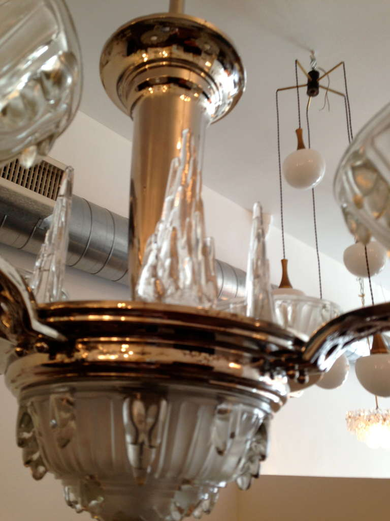 French Art Deco Chandelier For Sale 1