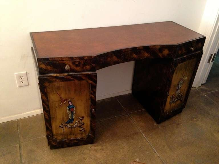 Grosfeld House Small American Art Deco Vanity Desk In Excellent Condition For Sale In New York, NY