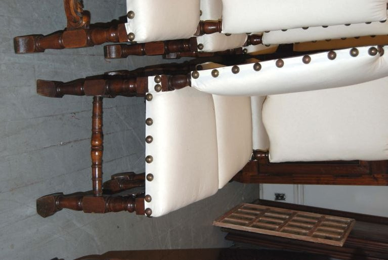 Set of 6 19th Century Walnut Chairs In Good Condition For Sale In New Orleans, LA