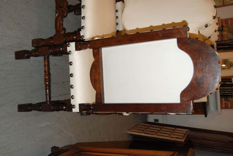 Set of 6 19th Century Walnut Chairs For Sale 2