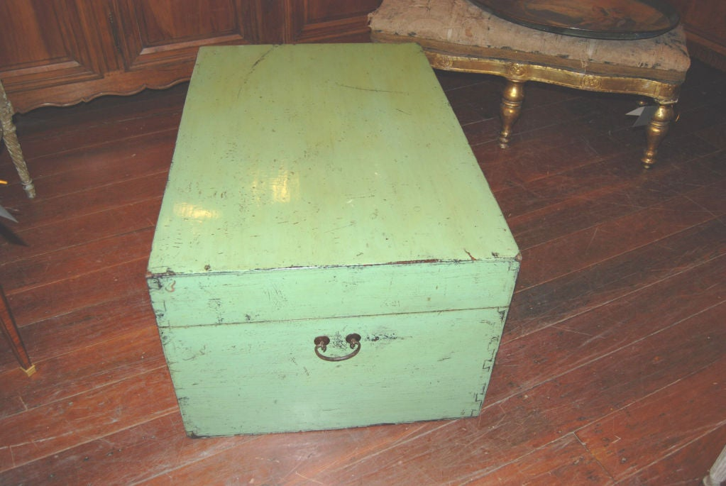 19th Century Chinese Storage Trunk In Good Condition For Sale In New Orleans, LA