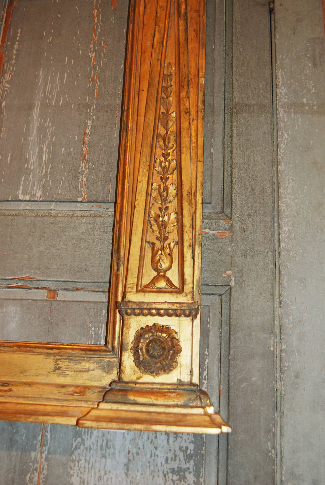Empire giltwood carved frame at 1stdibs for Empire antiques new orleans