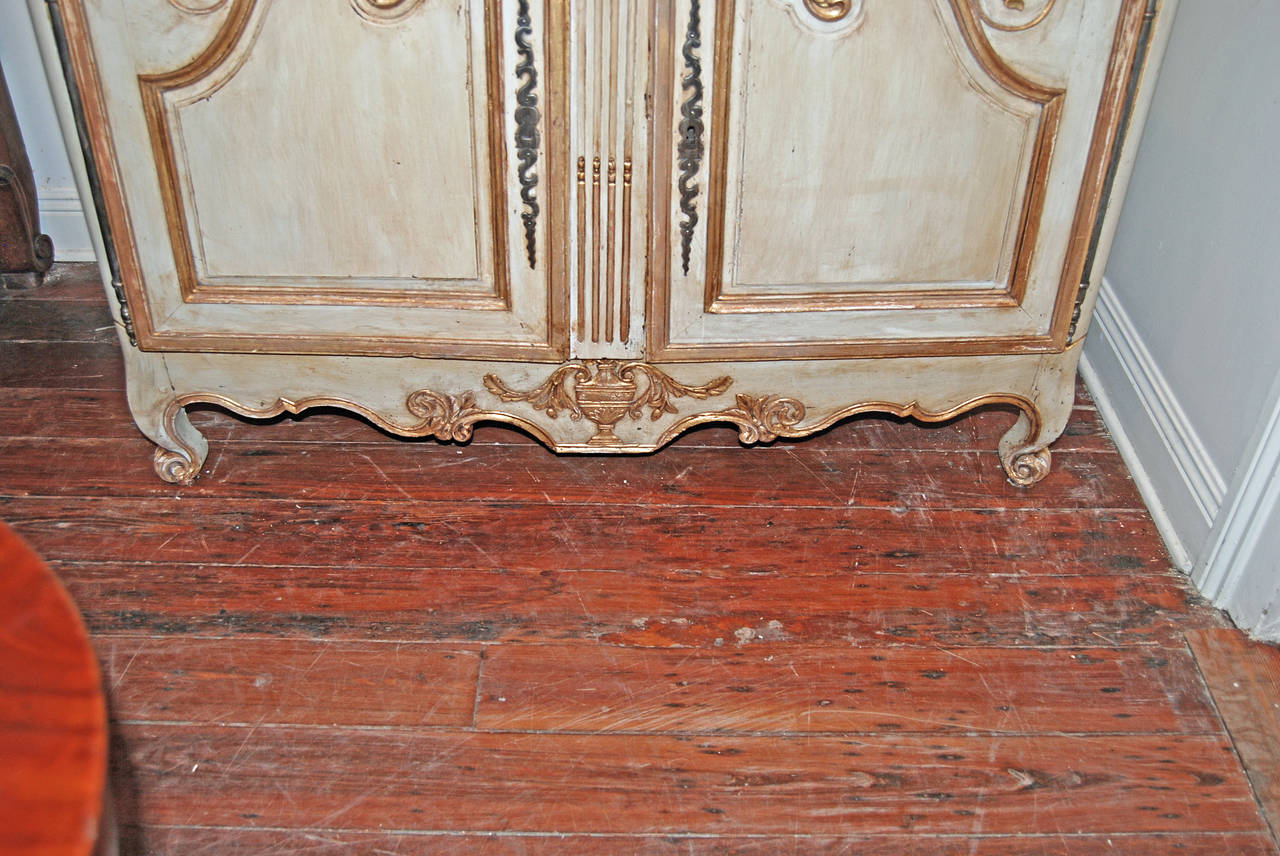 18th Century Painted and Gilded Buffet Deux Corps For Sale 4