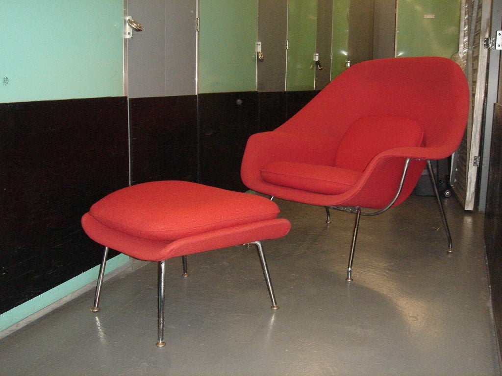Vintage Womb Chair & Ottoman by Saarinen for Knoll in Red Fabric 2