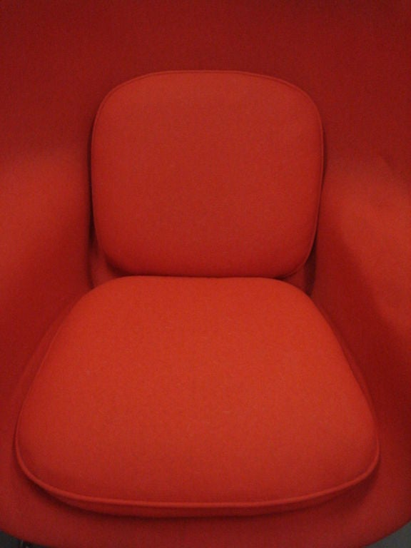 Vintage Womb Chair & Ottoman by Saarinen for Knoll in Red Fabric 8