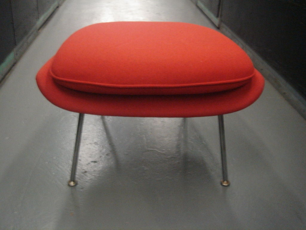 Vintage Womb Chair & Ottoman by Saarinen for Knoll in Red Fabric 9