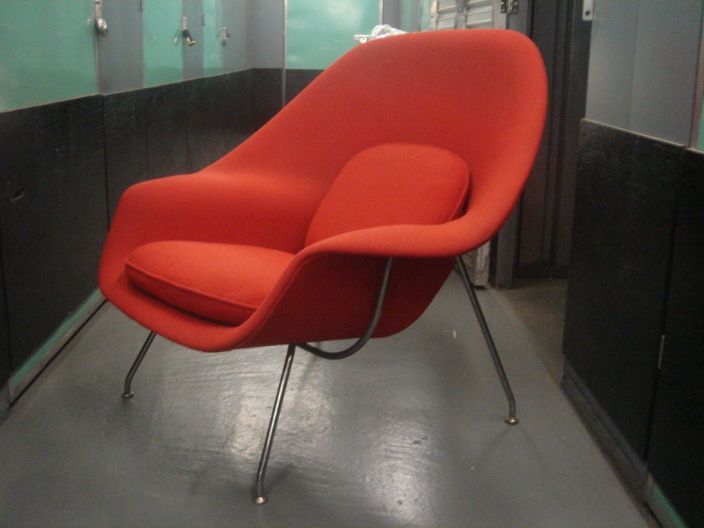 Vintage Womb Chair & Ottoman by Saarinen for Knoll in Red Fabric 3