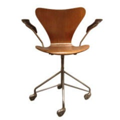 Early Series 8 Desk Chair on Swivel Base by Arne Jacobsen