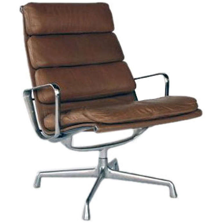 vintage aluminum group lounge chair by eames for herman miller at