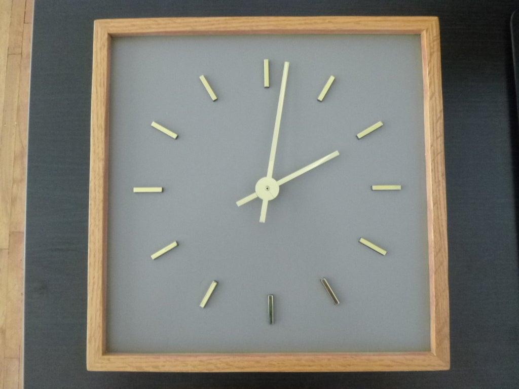 Minimalist Peter Pepper Clock 2
