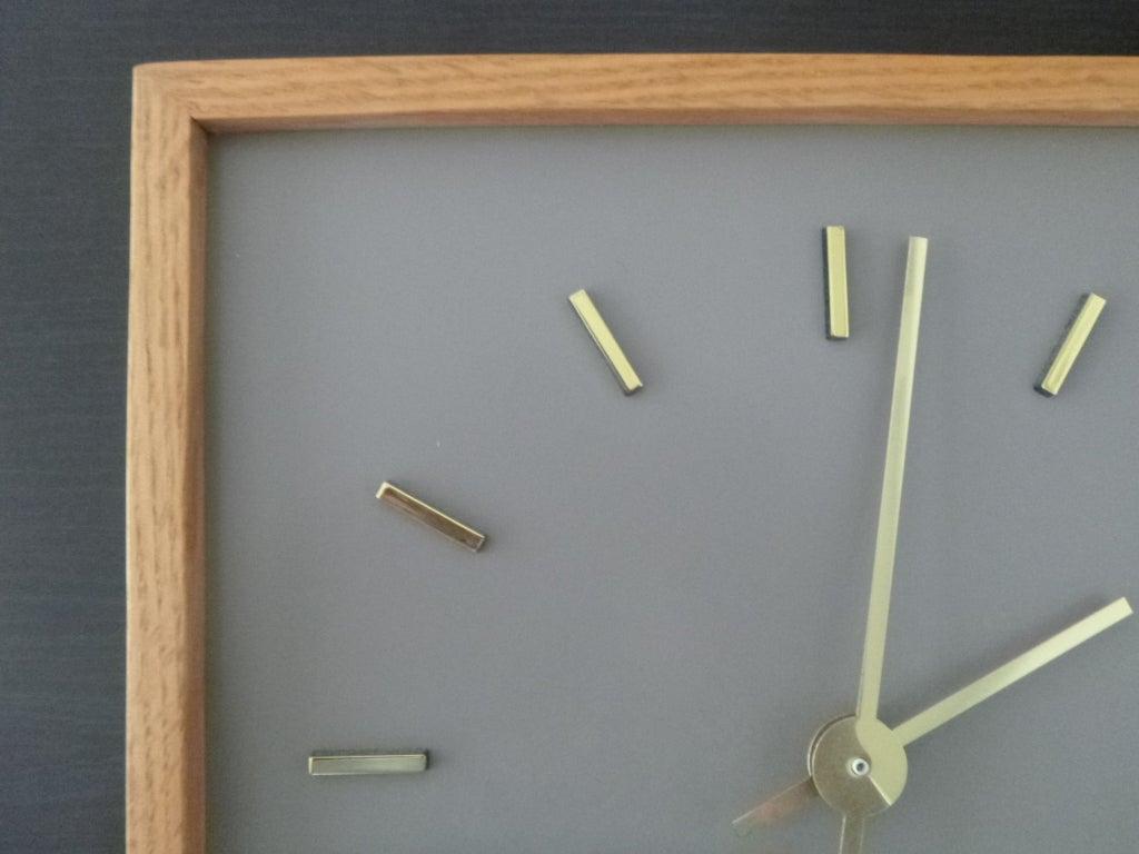 Minimalist Peter Pepper Clock 3