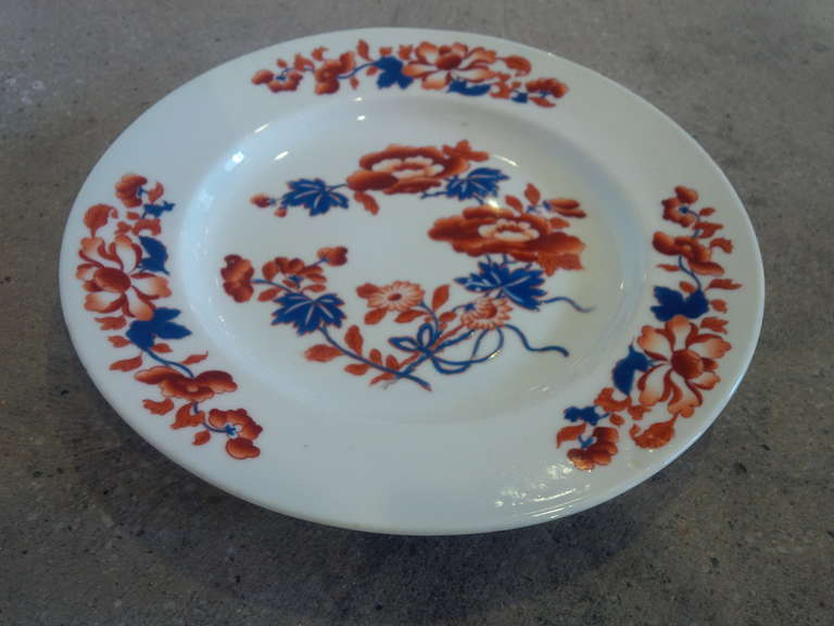 A Chamberlin's Worcester boldly-colored porcelain dinner plate in the