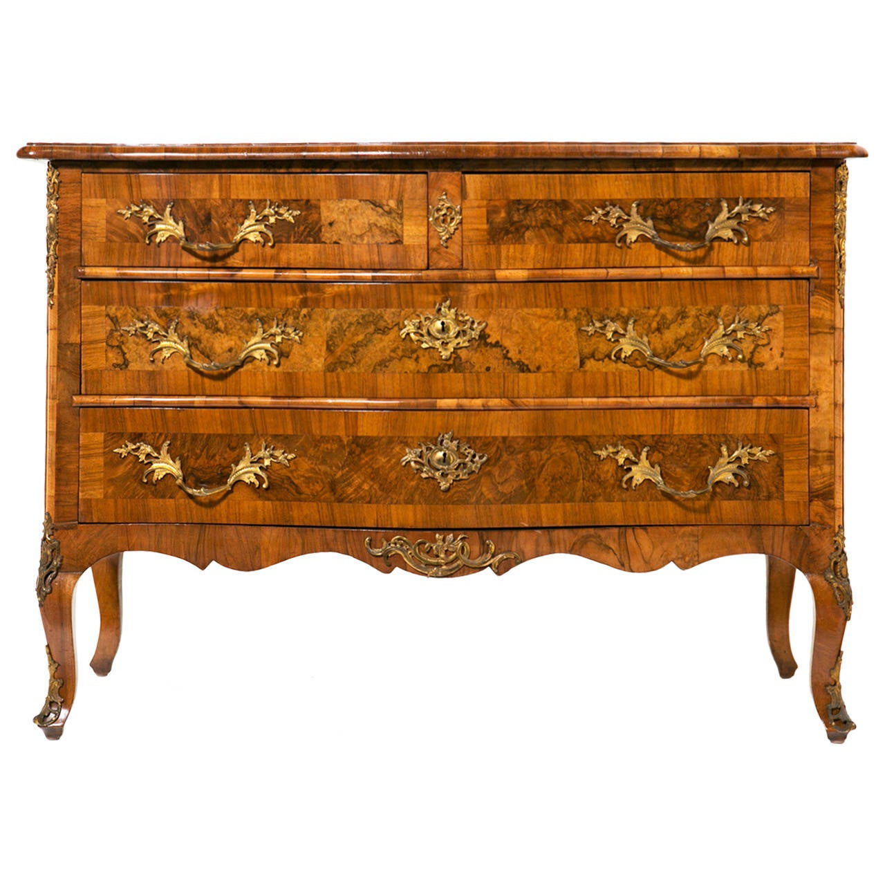 Italian classic walnut commode at 1stdibs - Commode classique ...