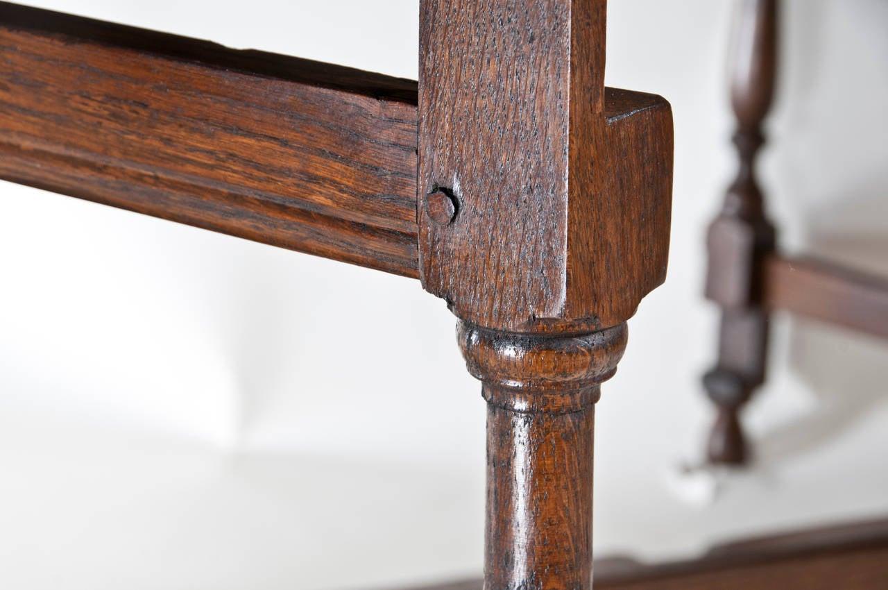 Large vintage english oval drop leaf dining table at 1stdibs for Antique drop leaf dining table