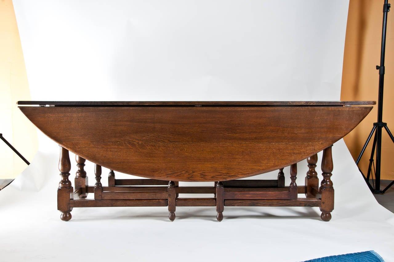 Large vintage english oval drop leaf dining table at 1stdibs for Drop leaf dining table