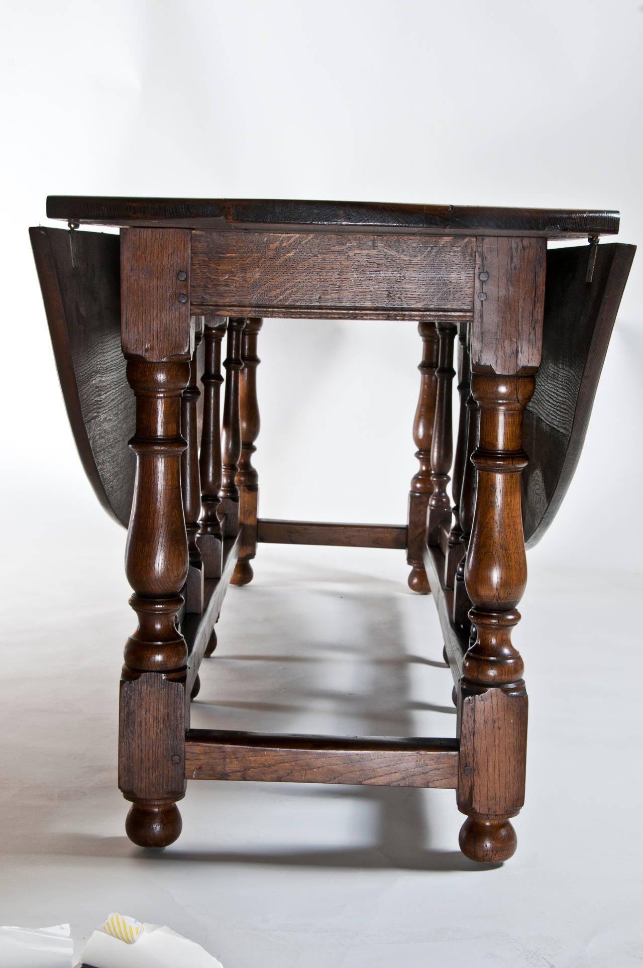 Large Vintage English Oval Drop Leaf Dining Table C 1980