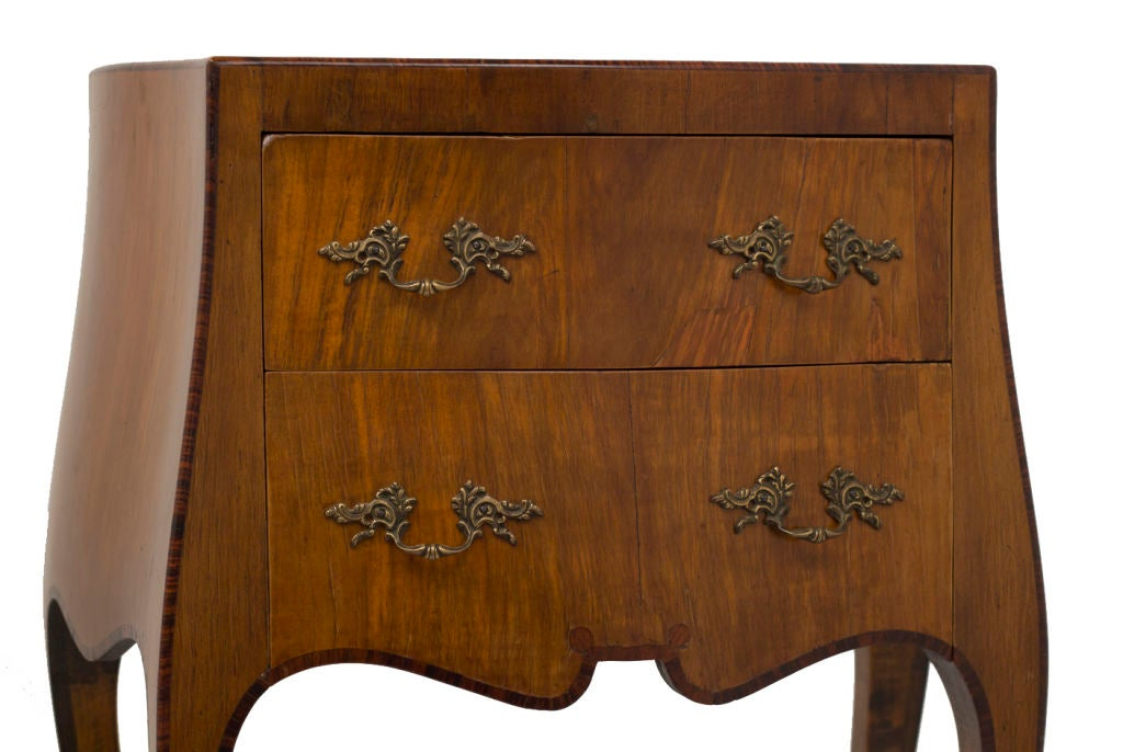 vintage italian small commode chest at 1stdibs. Black Bedroom Furniture Sets. Home Design Ideas