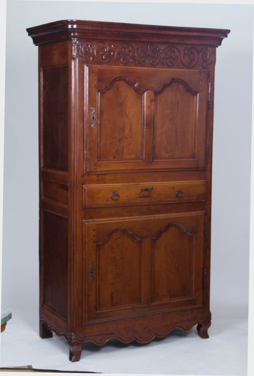 louis xv fruitwood standing man bonnetiere armoire at. Black Bedroom Furniture Sets. Home Design Ideas
