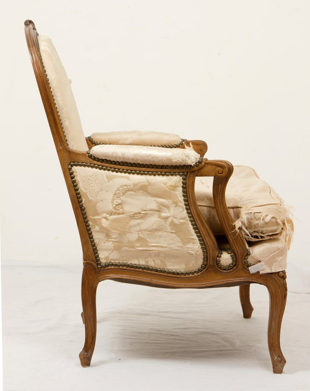 Large comfortable french armchair at 1stdibs for Large comfy armchairs