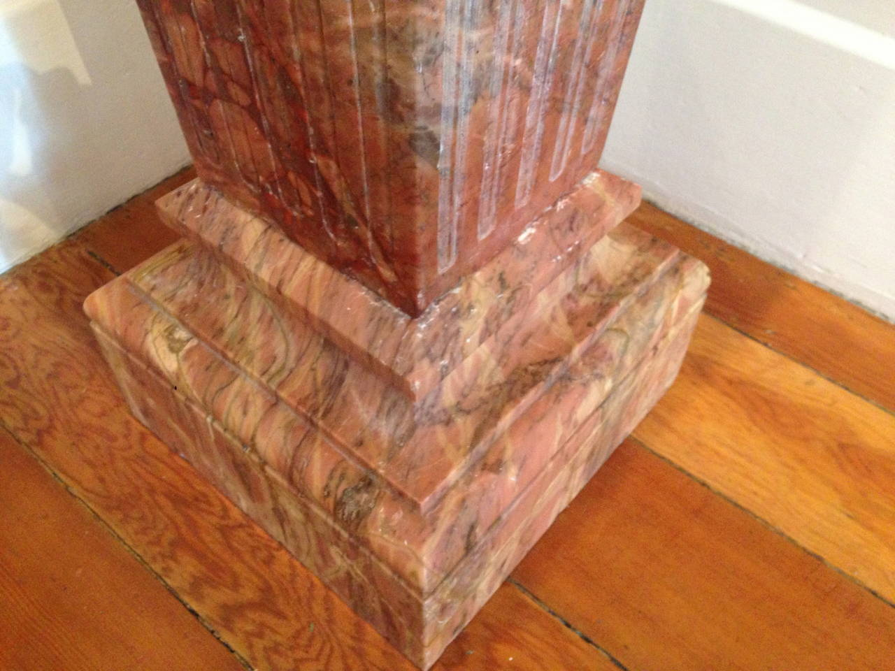 French Violette Marble Pedestal, circa 1860 In Excellent Condition For Sale In San Francisco, CA