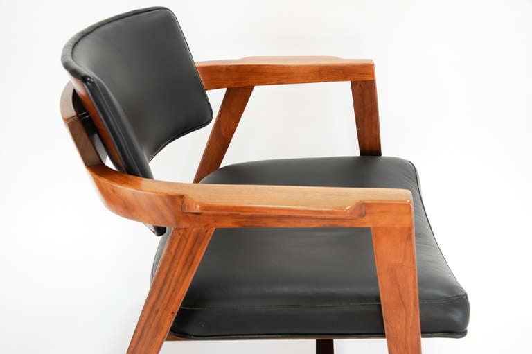 Desk chairs Office chairs Office desk chairs