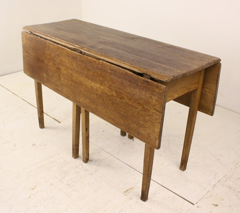 Distressed Antique Country English DropLeaf Gateleg Table At Stdibs - Antique gateleg tables