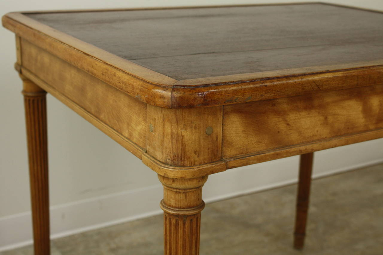 19th Century Elegant Scottish Satin Birch Writing Table, Fine Reeded Legs For Sale