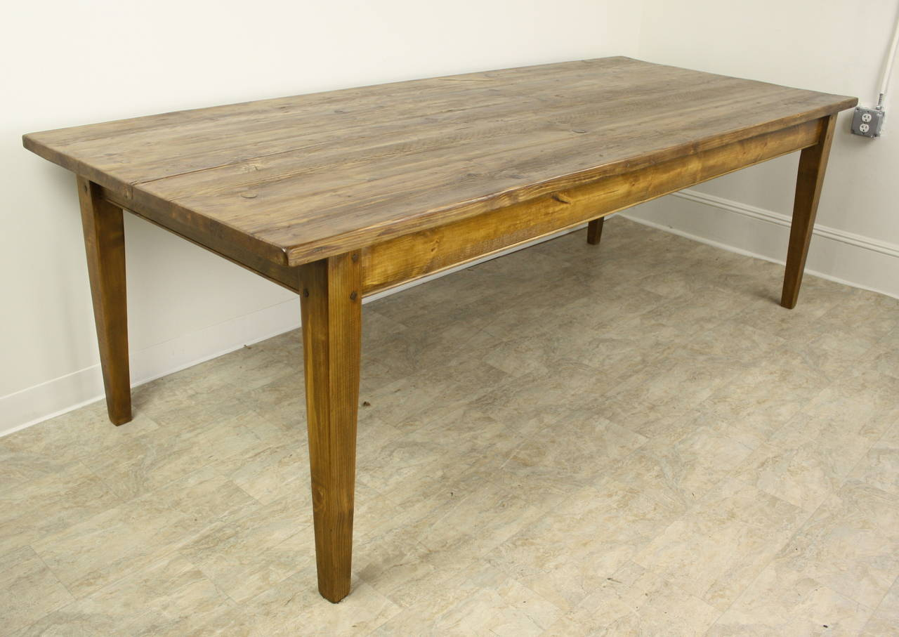 Custom Made English 8u0027 Pine Farm Table In Excellent Condition For Sale In  Port