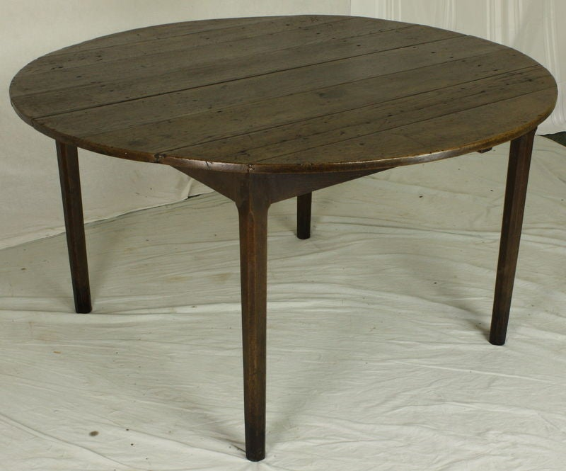 Antique french round oak dining table at 1stdibs for French round dining table