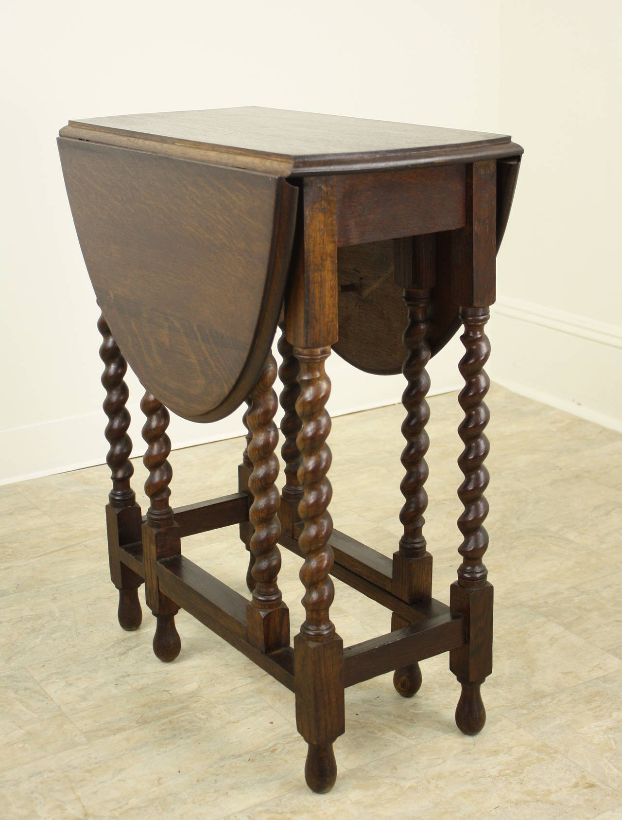 Small Antique English Barley Twist Gateleg Table At Stdibs - Antique gateleg tables