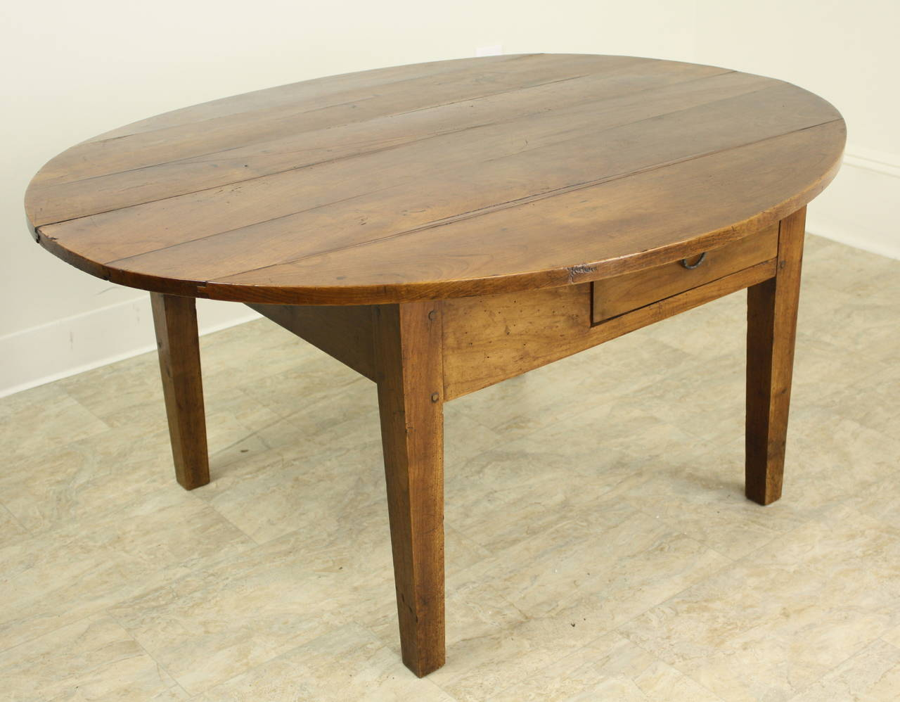 Antique oval cherry coffee table at 1stdibs for Oval cherry wood coffee table