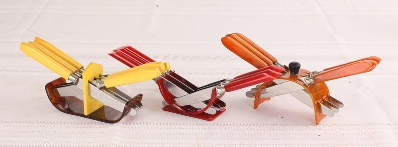 Mid-20th Century Eight Sets of French Deco Bakelite Hors D'oeuvres Knives For Sale