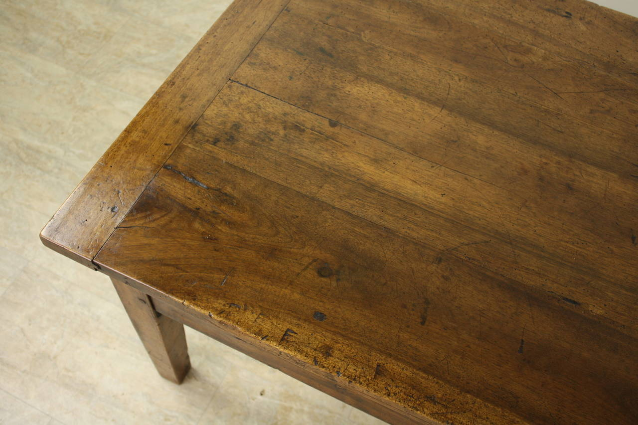 19th Century Antique Walnut Coffee Table with Two Drawers For Sale