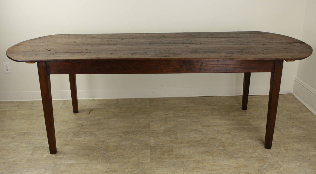 Elegant oval pine farm table at 1stdibs for Pine dining room table