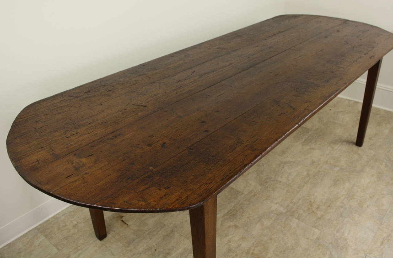Elegant Oval Pine Farm Table at 1stdibs