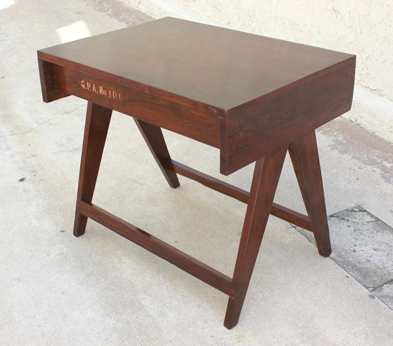 Pierre Jeanneret Chandigarh Student Desk In Good Condition For Sale In Los Angeles, CA