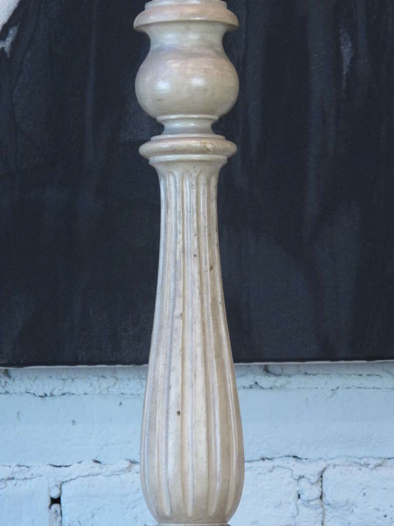 pair of ivory painted carved wood table lamps for sale at 1stdibs. Black Bedroom Furniture Sets. Home Design Ideas