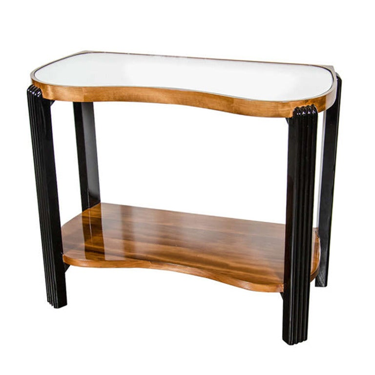 Art Deco Machine Age Side Table with Streamline Reeded Leg Design For Sale