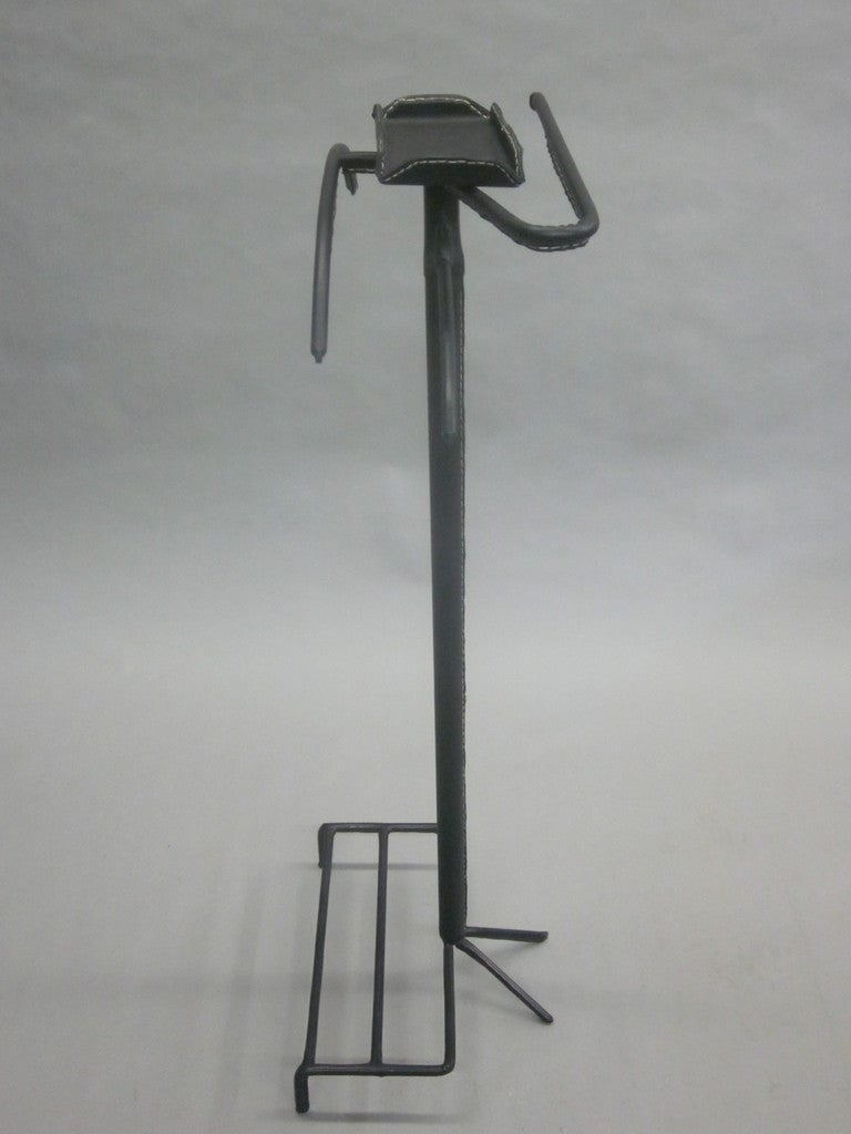 French Mid-Century Modern Valet in Hand-Stitched Leather by Jacques Adnet In Excellent Condition For Sale In New York, NY