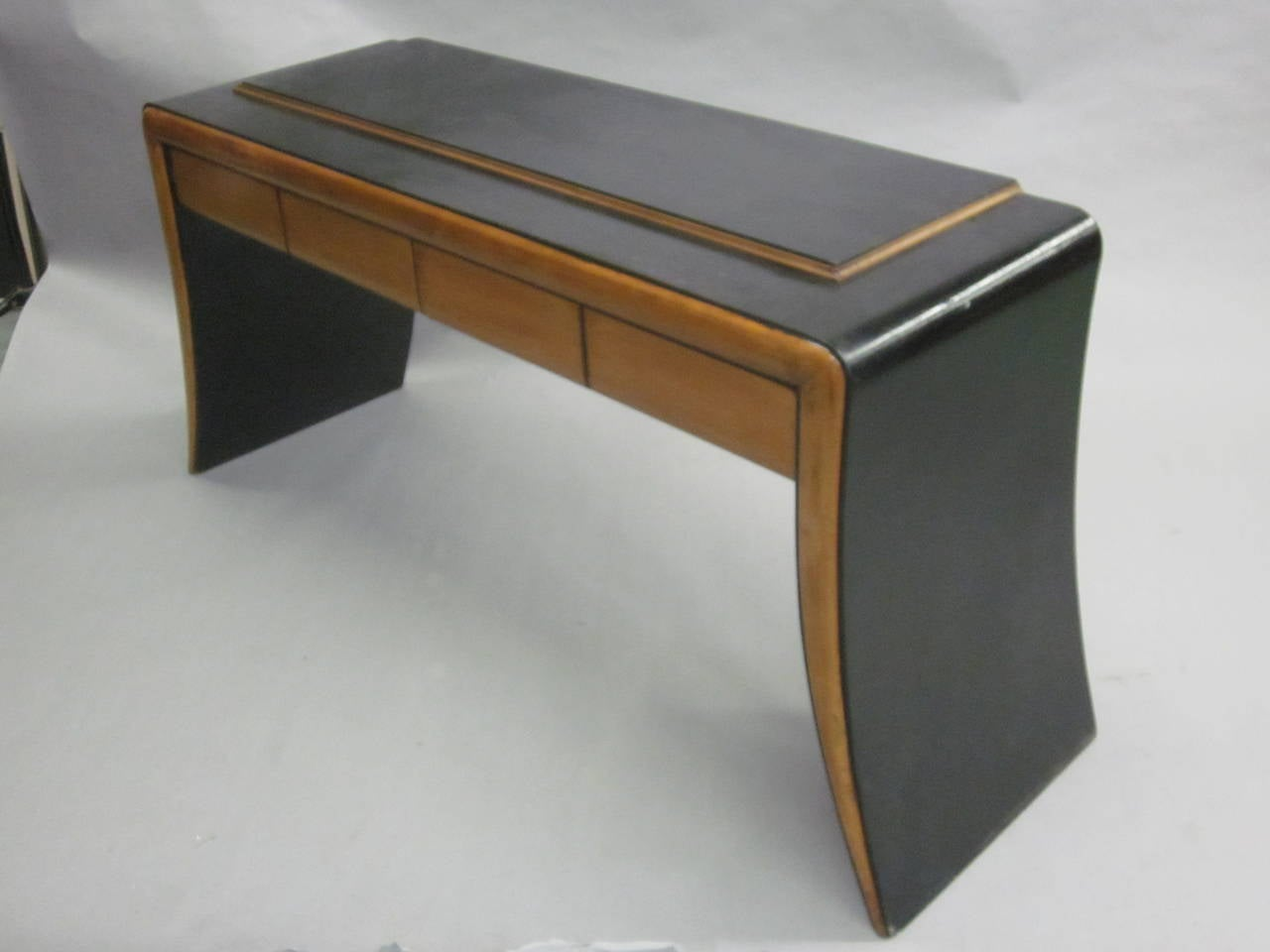 Fruitwood Italian Art Deco / Modern Neoclassical Vanity / Sofa Table by Paolo Buffa, 1930 For Sale