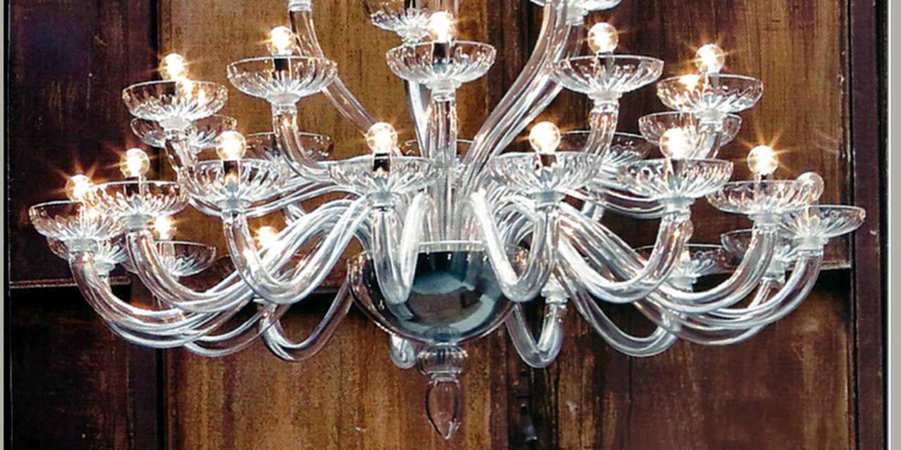 Mid-Century Modern Monumental Italian Triple Tier 30 Arm Clear Murano / Venetian Glass Chandelier For Sale