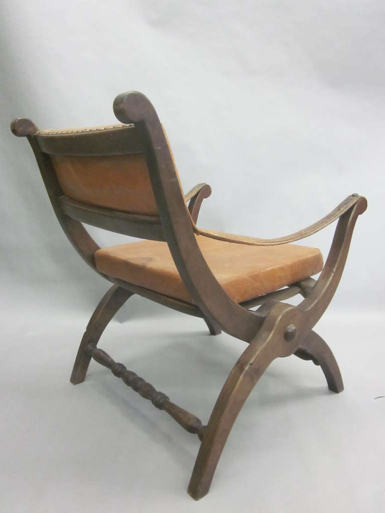20th Century Pair of Italian Mid-Century Modern Neoclassical Leather Armchairs/ Lounge Chairs For Sale
