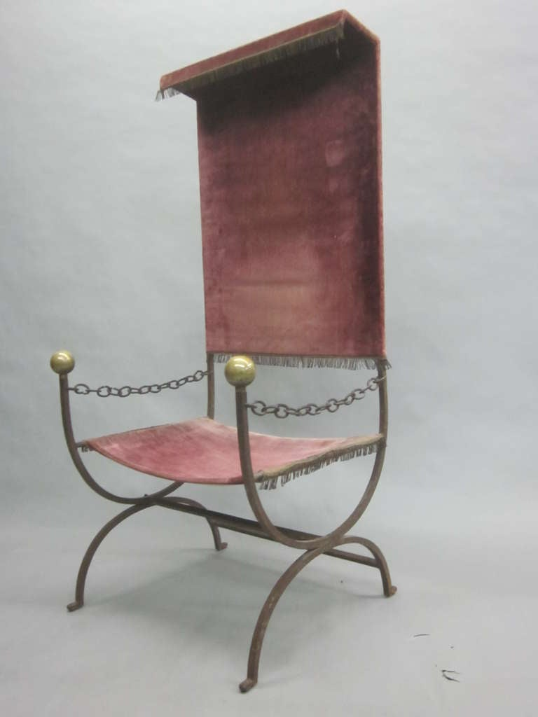 French Mid-Century Modern Iron Throne/ Lounge Chair, Style of Jean Royère, 1950 In Good Condition For Sale In New York, NY
