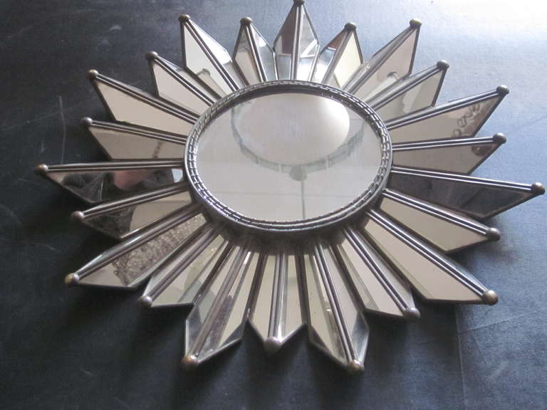 French Mid-Century Modern Neoclassical Mirrored Sunburst / Starburst Mirror In Good Condition For Sale In New York, NY