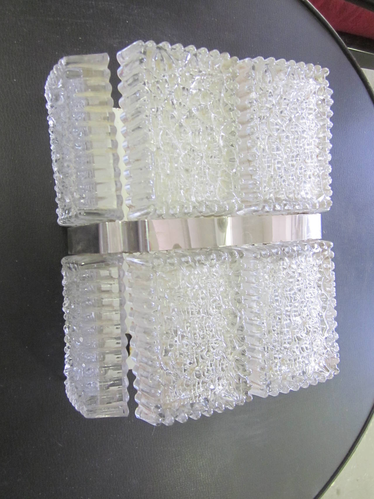 Mid-Century Modern Pair of Italian Mid-Century Venetian / Murano Glass Wall Sconces For Sale
